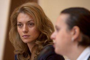Cum au jignit-o liderii UDMR pe Alina Gorghiu