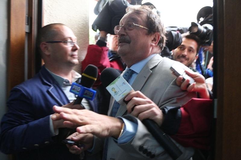 Mircea Basescu a cerut incetarea de drept a arestului la domiciliu. Cand va afla raspunsul instantei