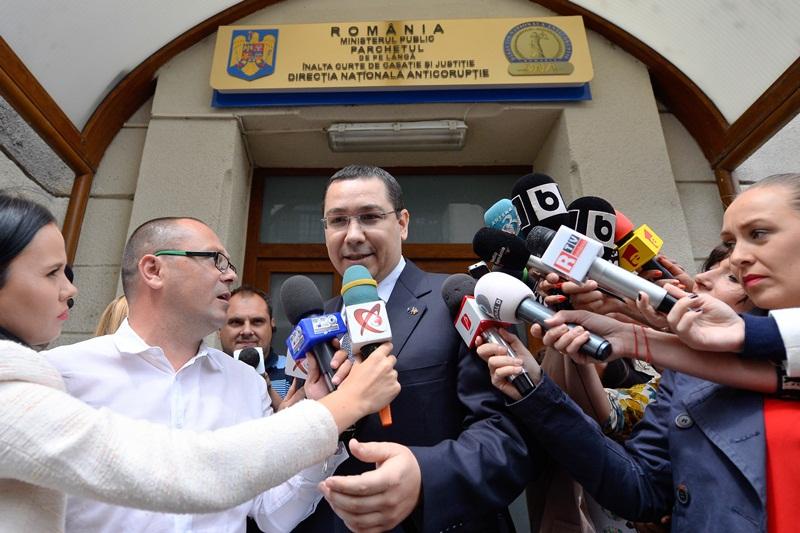 MOMENTE HALUCINANTE la Antena 3. Ce s-a intamplat imediat dupa ce Ponta a intrat in direct la Gadea: ,,Sunt niste IMBECILI