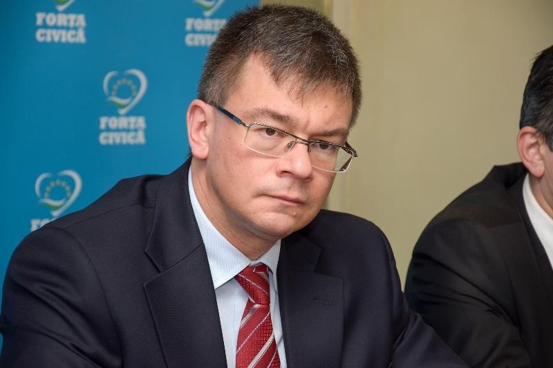 PSD a blocat audierea lui Mihai Razvan Ungureanu in Comisia SIE. Problema pe care PNL trebuie sa o rezolve in cateva ore pentru a valida propunerea lui Iohannis