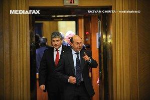 """Băsescu îl critică pe Oprea pentru votul în cazul MRU: """"Şi-a trădat aliatul. E lipsă de inteligenţă folosirea termenului interesul naţional"""""""