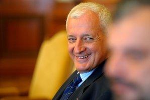 Frunda, consilier onorific al premierului şi-a mutat depozitele de la băncile greceşti