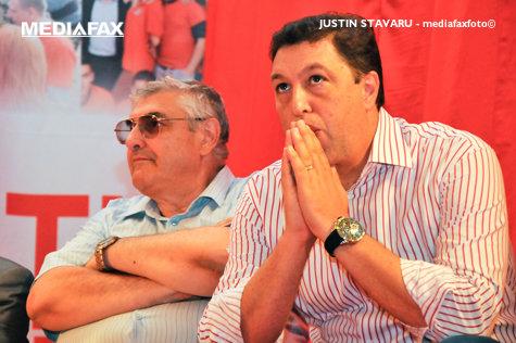 """Primul contracandidat oficial al lui Dragnea la şefia PSD. Cum răspunde """"cetăţeanul Nicolae"""" când e întrebat dacă premierul Ponta trebuie să demisioneze"""