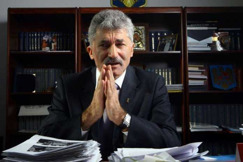 Deputatii-juristi au avizat cererea de arestare a lui Ioan Oltean. Ce spune deputatul PNL despre preotul care l-a turnat la DNA