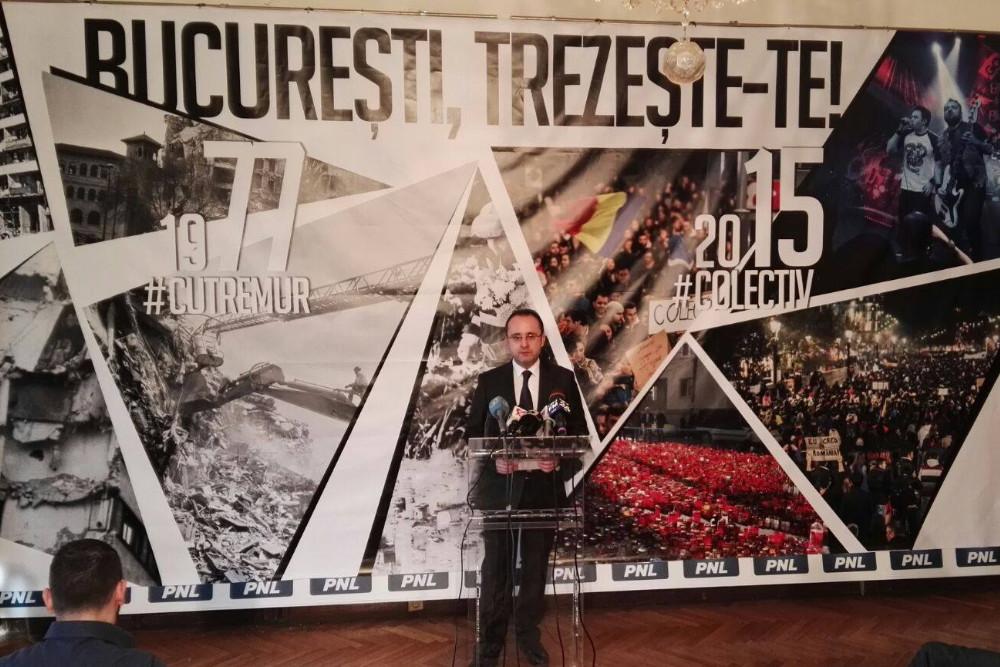 Liberalul Cristian Busoi si-a prezentat planul electoral folosindu-se de imagini din Clubul Colectiv