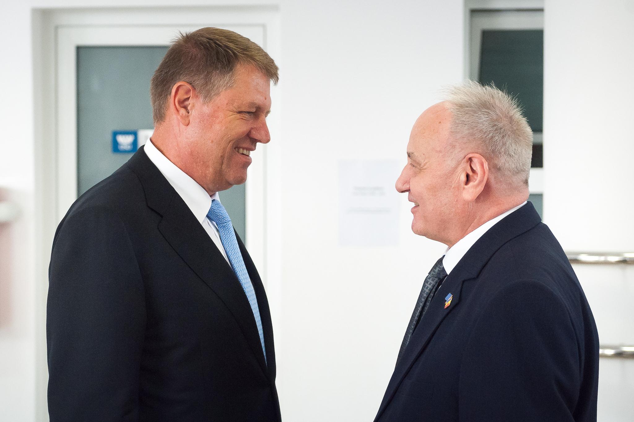 Dupa a doua zi de proteste la Chisinau, Iohannis l-a sunat pe presedintele Moldovei. Ce decizie au luat dupa convorbirea telefonica