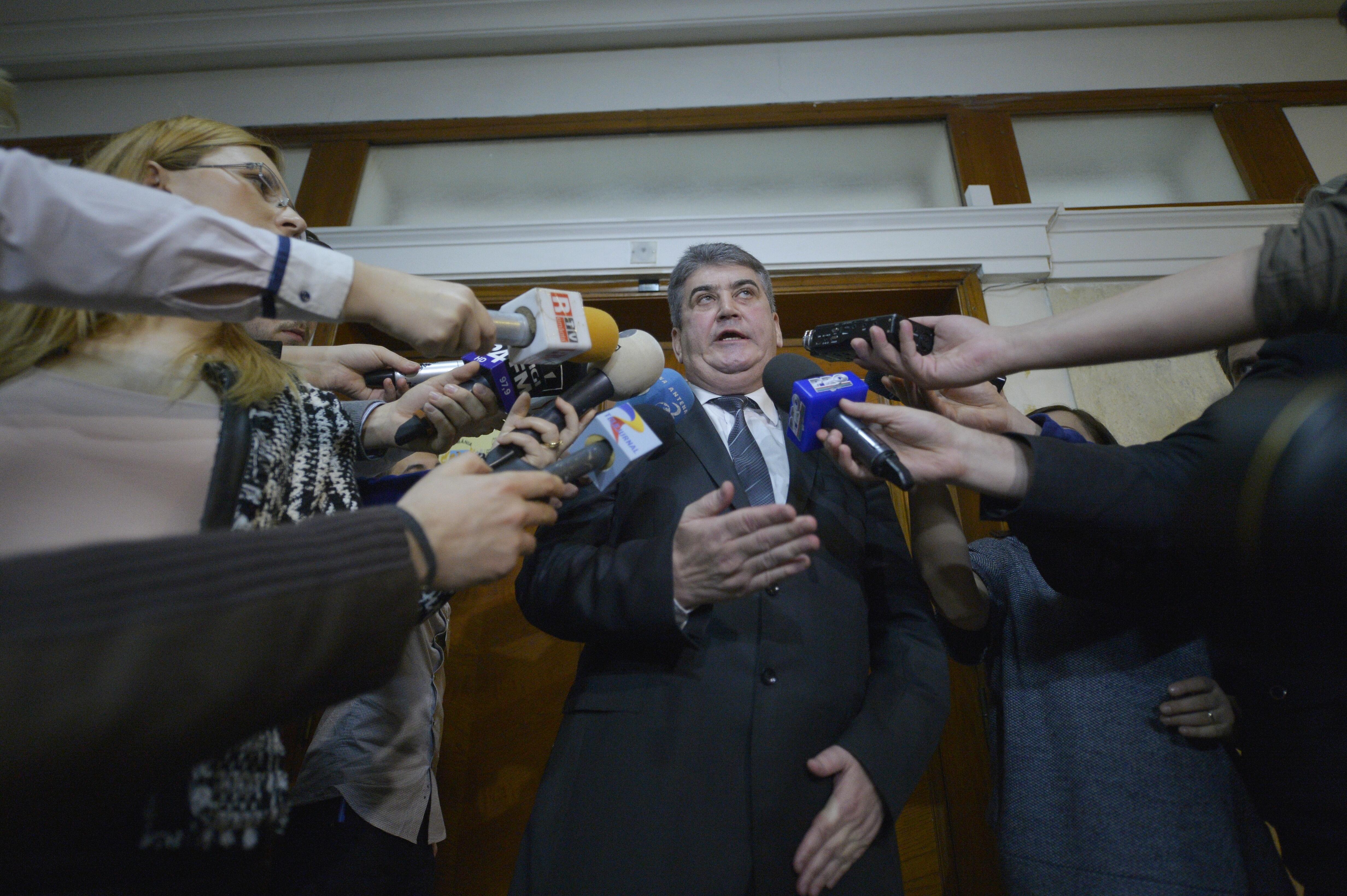 Gabriel Oprea poate fi urmarit penal in dosarul ,,limuzinei de la MAI
