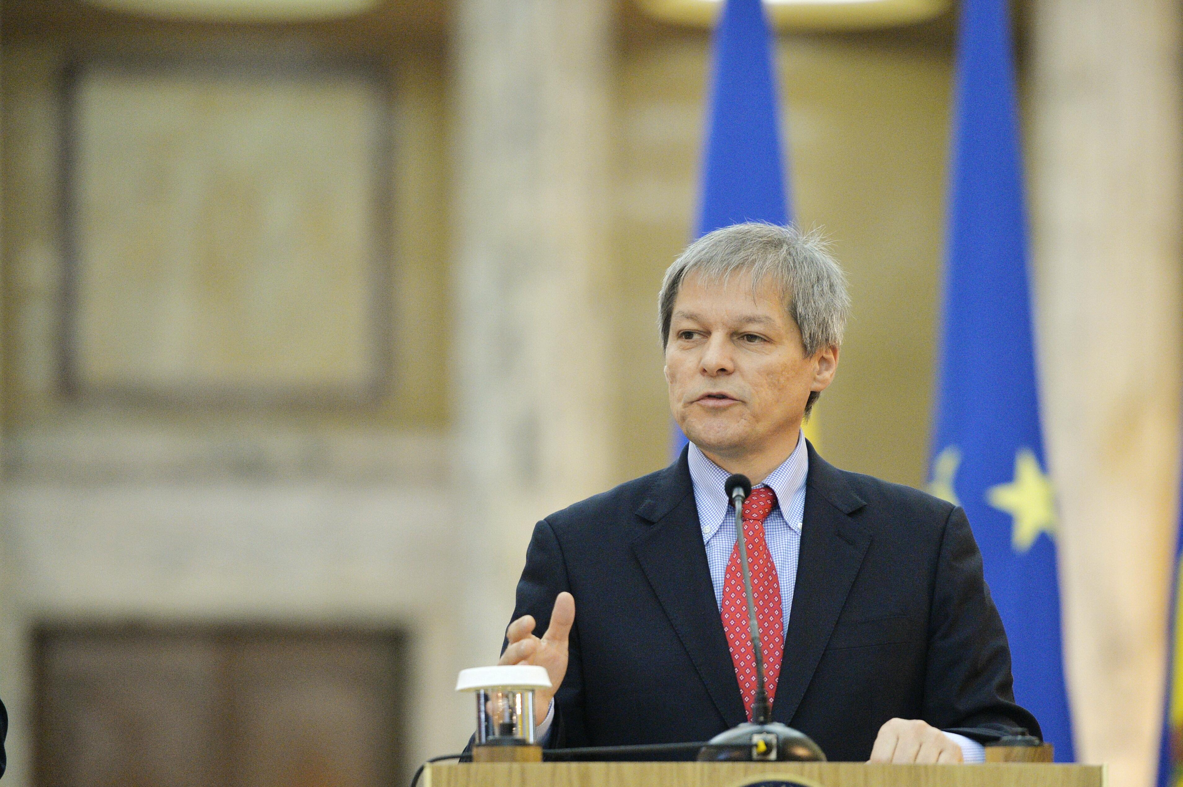 ANUNTUL SURPRIZA facut de Ciolos chiar la inceputul sedintei de Guvern. Toate televiziunile sunt in BREAKING NEWS!