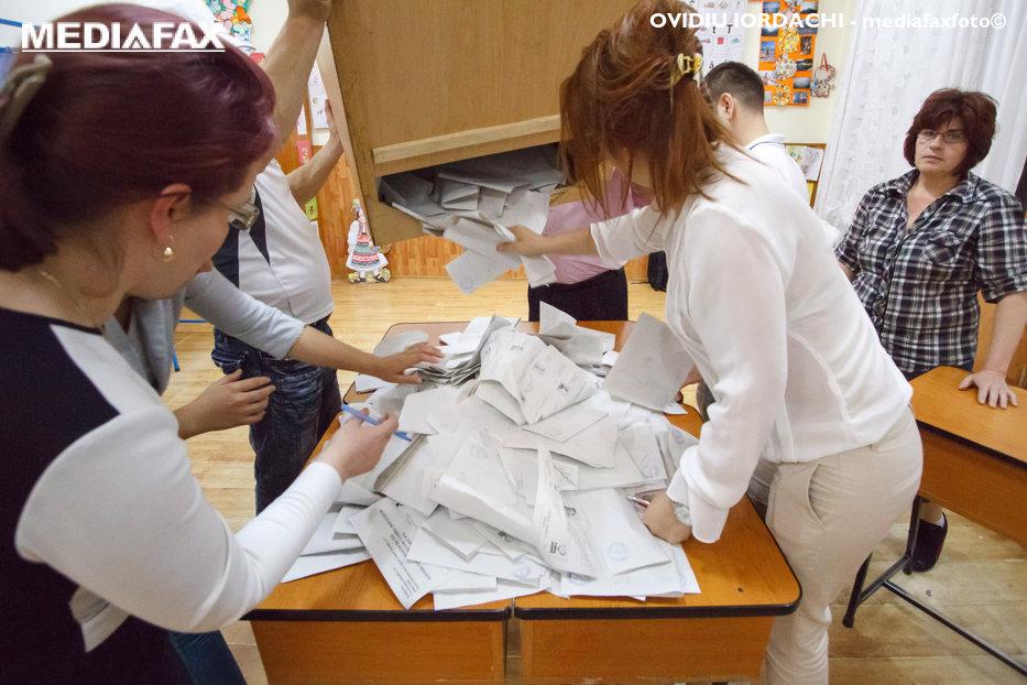 """BEC s-a încurcat în Excel. Cum s-au rătăcit 250.000 de buletine de vot. """"Sunt tâmpiţi!"""""""
