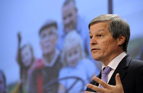 Cioloş: Ceva ce părea o glumă acum trei luni s-a lăsat cu un pachet de debirocratizare