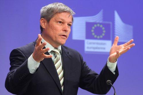 Băsescu: Cioloş poate rămâne premier, dacă PNL câştigă alegerile