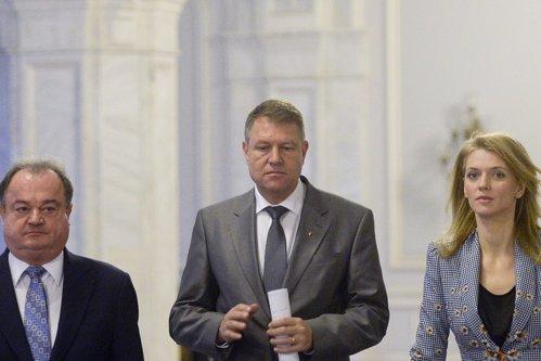 """Înainte de alegeri, PNL îi transmite lui Dragnea un mesaj """"garantat Iohannis"""""""