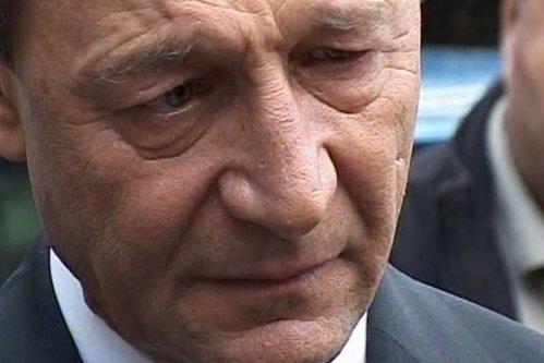 Traian Băsescu a anunţat că va candida la Senat în Bucureşti