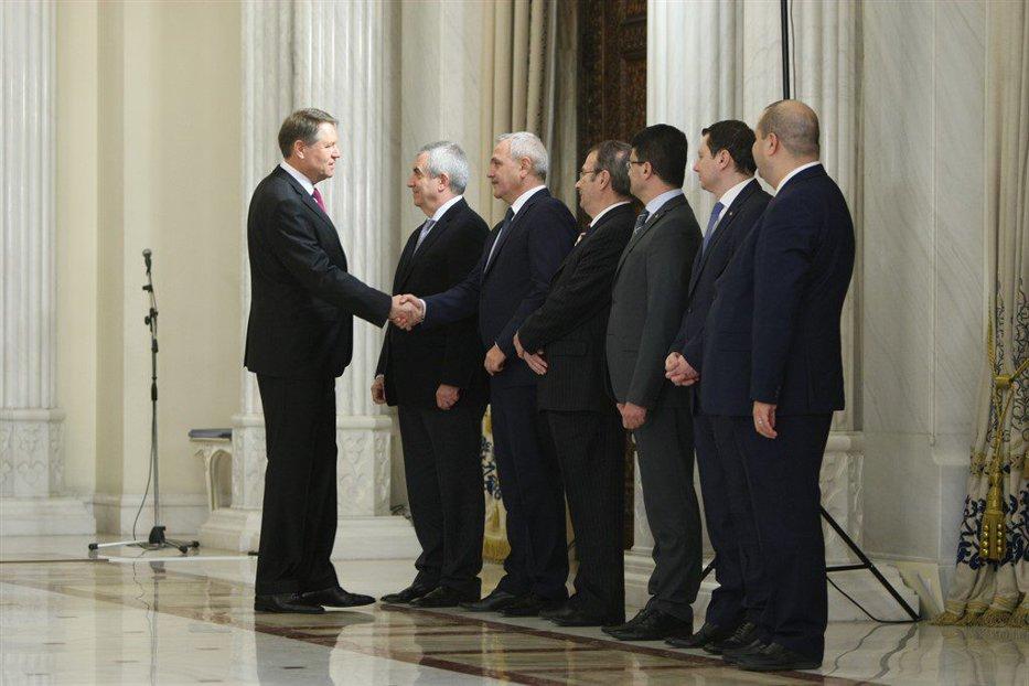 Prima reacţie a lui Dragnea după ironiile lui Iohannis de la învestirea noului Guvern
