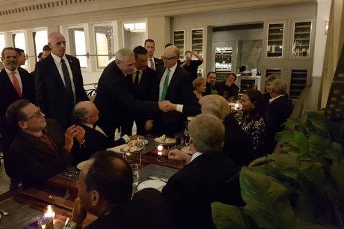 Dragnea, invitat la masă de Trump. Replica preşedintelui SUA când şeful PSD i-a spus despre România. Galerie FOTO