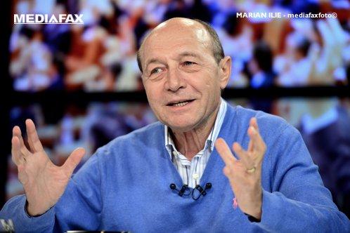 Traian Băsescu: Aşa nişte prostălăi încă nu am văzut... Nişte găinari cu procente mari! Iohannis i-a umilit pur şi simplu pe toţi deştepţii din PSD