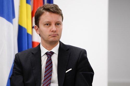 Europarlamentar: Guvernul Grindeanu nu mai este un partener de încredere pentru partenerii noştri internaţionali, ci un guvern care trebuie monitorizat