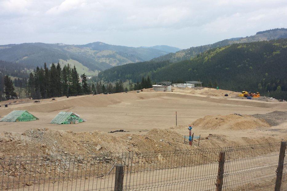 Comuna care a construit o groapă de gunoi în vârful muntelui, atestată de Guvern ca staţiune turistică de interes local