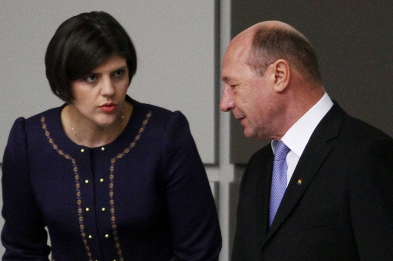 """Băsescu îl somează pe Iohannis să o demită pe Kovesi: """"La încălcarea Constituţiei, tai cu bisturiul"""""""