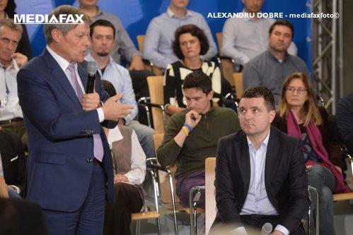 Nicuşor Dan a fost refuzat de Cioloş: Decizia mea e luată