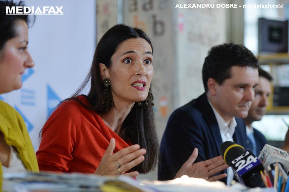Clotilde Armand NU candidează la şefia USR. Ce funcţie ţinteşte consiliera şi pe cine susţine pentru preşedinţia partidului