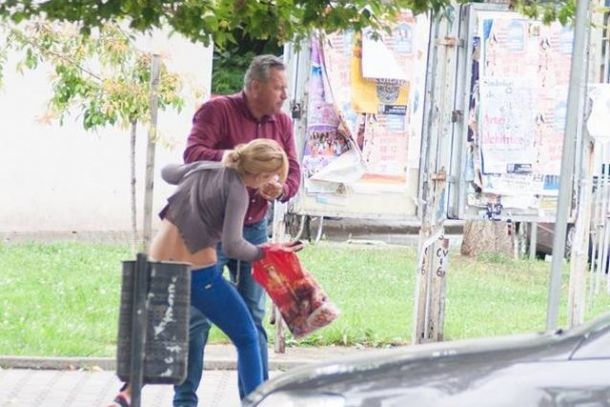 """Chiar dacă imaginile au făcut înconjurul Internetului, Buşoi spune că nu ştie cine este liberalul din Bistriţa care a agresat o femeie, apoi a fost """"răsplătit"""