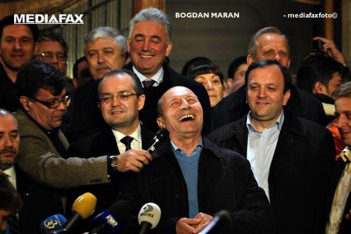 Băsescu, despre alegerile din 2009: Au murit copii şi te dai de ceasul morţii ce au făcut 4 beţivani în noapte alegerilor
