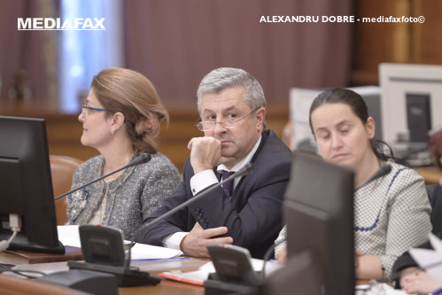"""Iordache neagă viciul de procedură invocat de Grindeanu: """"Vă închipuiţi că într-o ţară a UE, Guvernul e închis?"""""""