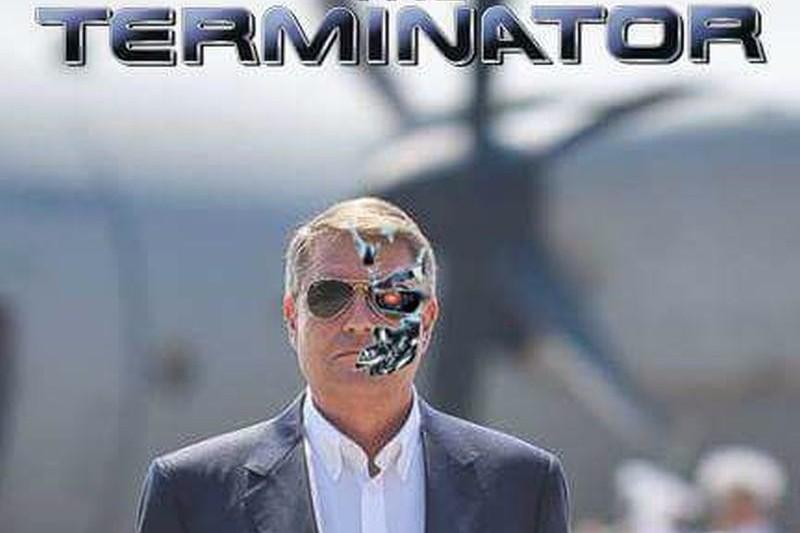 """""""Terminator"""" Iohannis. Cele mai reuşite parodii după apariţia preşedintelui la baza Kogălniceanu. GALERIE FOTO"""