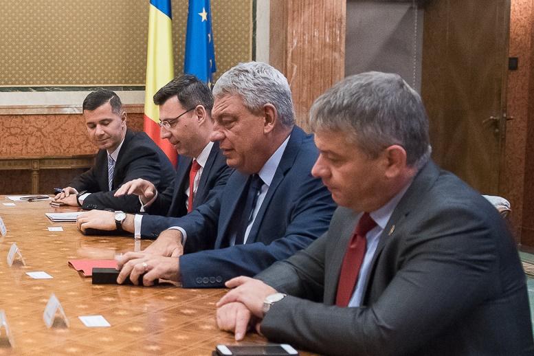"""Premierul Tudose, mesaj DUR pentru FMI: """"Aţi greşit două previziuni. Ori nu vă pricepeţi absolut deloc sau are cineva ceva cu România"""""""
