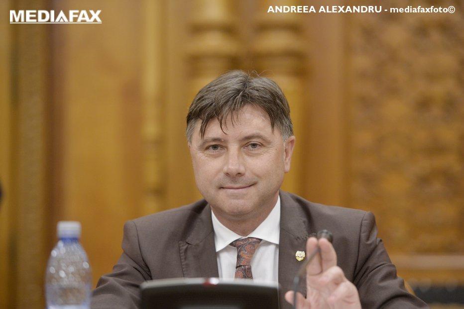 Primul efect al conflictului DNA-PSD. Senatorii jurişti au dat aviz NEGATIV pentru urmărirea penală a ministrului Viorel Ilie