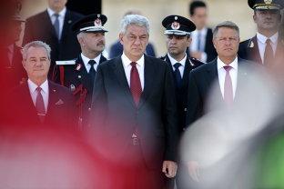 Propunerile de numire a noilor miniştri, trimise la Cotroceni. Iohannis păstrează suspansul