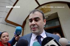 PSD i-a găsit un post la Guvern lui Darius Vâlcov, fostul ministru trimis în judecată pentru corupţie