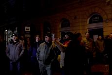 """Protest în faţa sediului PSD Sibiu, unde erau aşteptaţi Liviu Dragnea şi Mihai Tudose: """"Sibiul nu e Teleorman"""""""