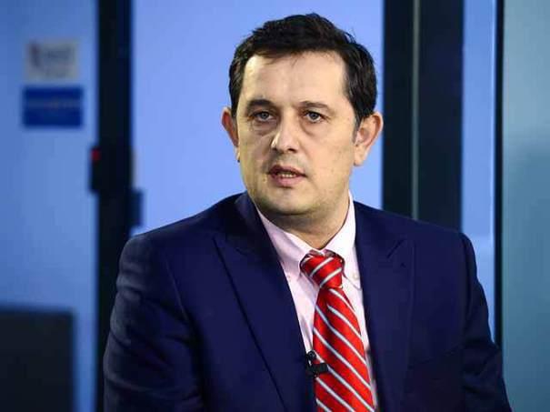 După ce i-a cerut demisia lui Dragnea, consilierul Piperea pleacă el din Guvern