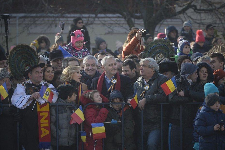 PSD îi pune pe Dragnea şi Tăriceanu pe lista lui Iohannis pentru Parada de 1 Decembrie. Fifor: Din câte am înţeles eu, vor fi invitaţi