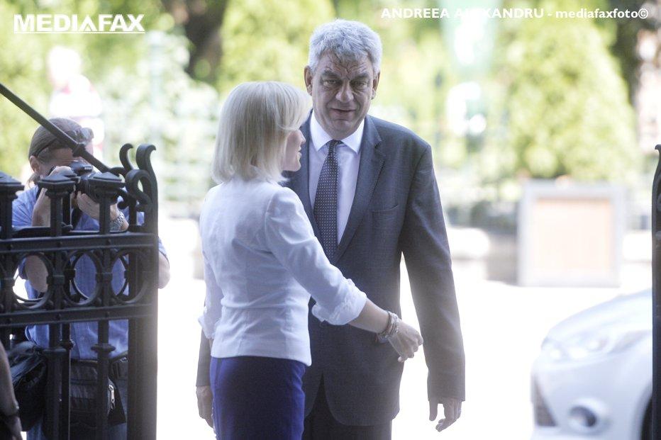 Gabriela Firea, atacuri în rafală la adresa lui Tudose: Eu i-am spus că e ipocrit. Are o atitudine arogantă