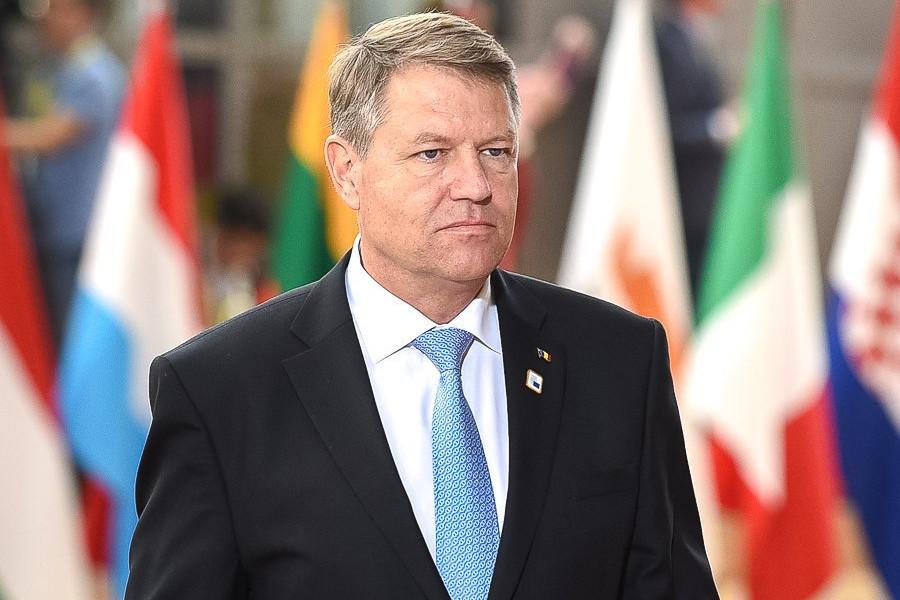 Preşedintele Klaus Iohannis, moment de reculegere la aflarea veştii că Regele Mihai a murit