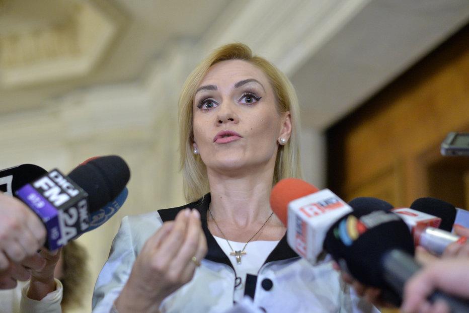 Firea îl dă în judecată pe Cristian Buşoi după ce a acuzat-o că ar reprezenta grupuri de interese