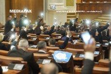 """Scandal în Parlament. PNL şi USR acuză PSD de comportament """"dictatorial"""" după ce a redus timpul de dezbateri prin regulament. După o oră, modificarea Regulamentului a fost publicată în Monitorul Oficial"""