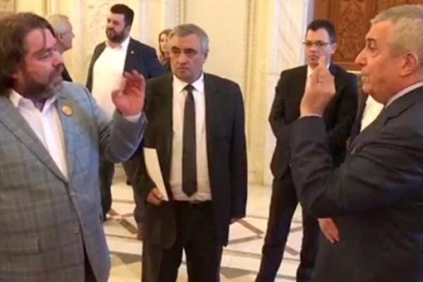 """Tăriceanu îi atacă dur pe parlamentarii USR: """"Tot felul de neica-nimeni se vor vedete"""""""