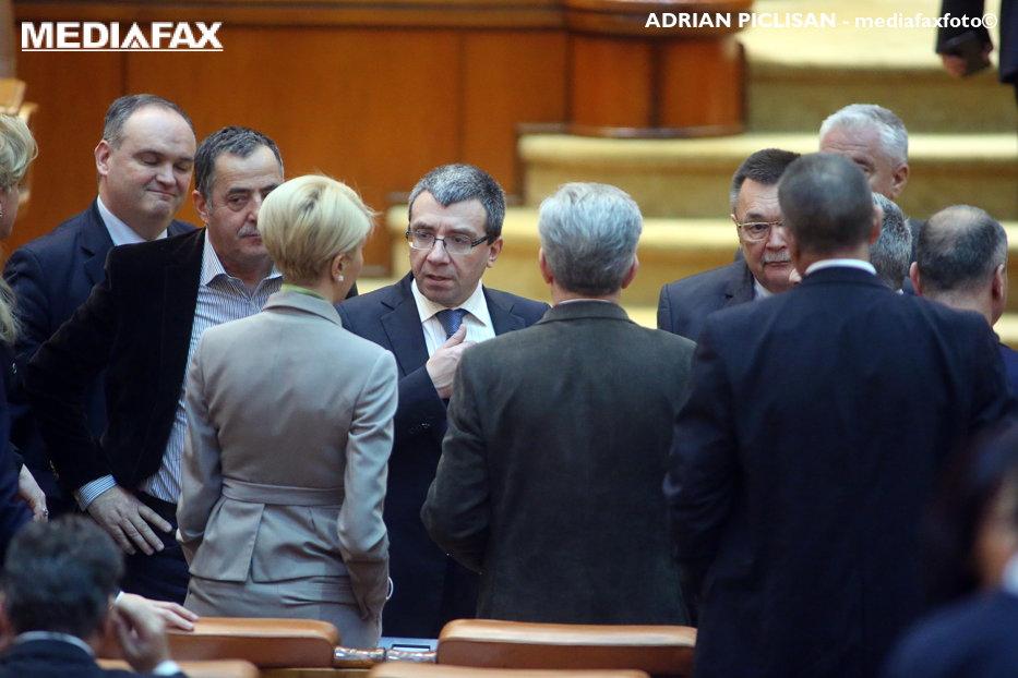 Deputatul PNL Mihai Alexandru Voicu, trimis în judecată, după ce a obligat membrii de partid să facă donaţii în campania electorală