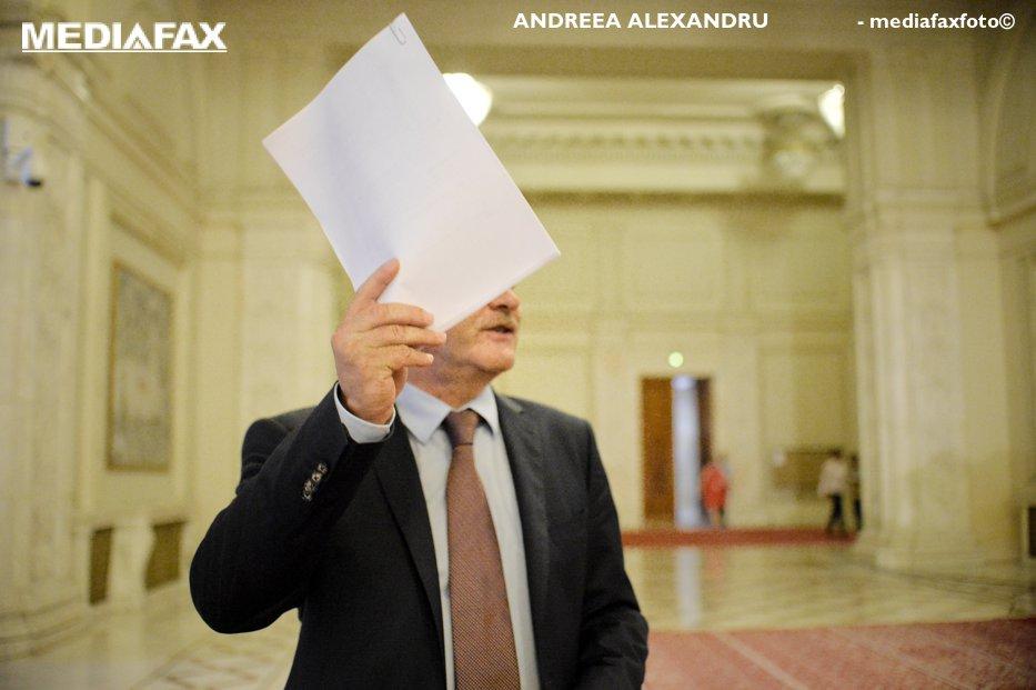 """Lista miniştrilor din Guvernul Dăncilă, discutată în biroul lui Dragnea.  Prima decizie luată înaintea instalării noului Cabinet: """"În ultimii ani am simţit că se întâmplă lucruri bizare"""""""