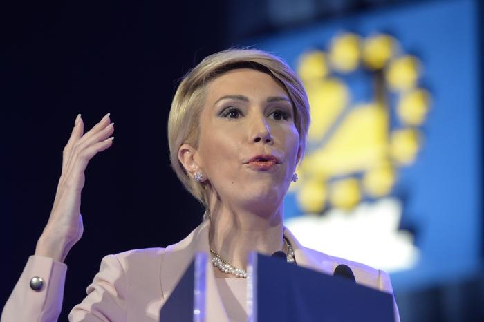 Raluca Turcan, realeasă în funcţia de lider al deputaţilor PNL. Ce au decis liberalii în privinţa viceliderilor