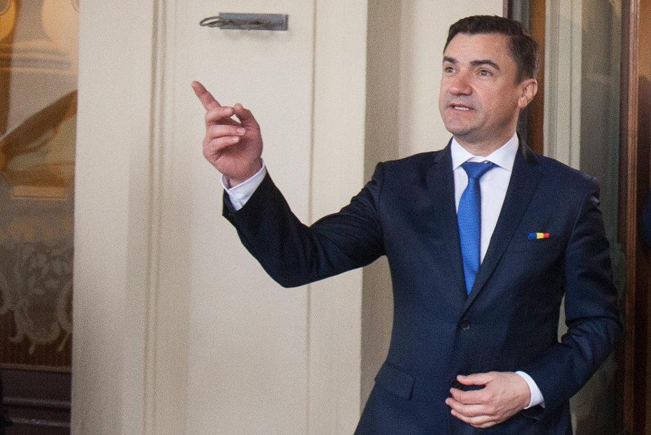 Dat afară din partid, primarul Iaşului, Mihai Chirica, dă în judecată PSD-ul