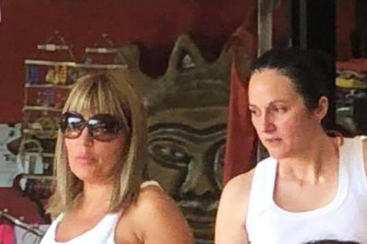 """Primele fotografii cu Elena Udrea şi Alina Bica, în Costa Rica. """"Dacă ştiam că interesează pe cineva, puneam eu zilnic"""""""