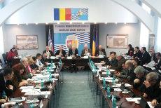 Senatul a aprobat legea care îi loveşte dur pe consilierii locali care nu se prezintă la şedinţe