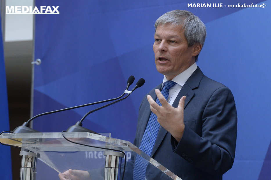 Un nou partid politic apare în România. Anunţul lui Dacian Cioloş despre Platforma România 100