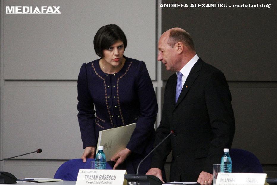 Băsescu ştie ce şanse are sesizarea lui Toader la CCR: E o glumă pentru studenţii de anul I la Drept