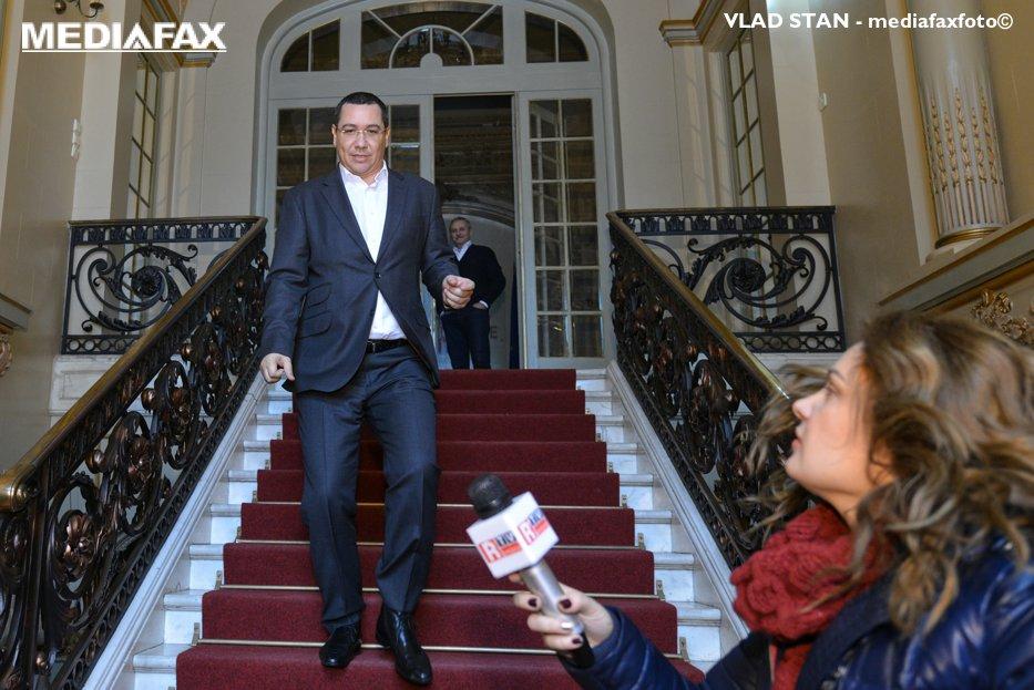 Victor Ponta vrea grup parlamentar, după ce Pro România a racolat zece deputaţi